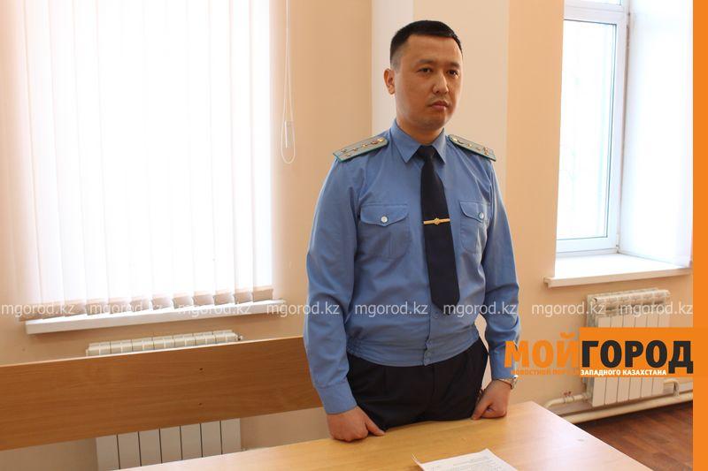 В Уральске двух мужчин осудили за вырубку 19-метрового дуба sud_derevo (1)