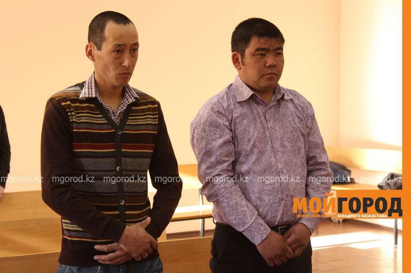 В Уральске двух мужчин осудили за вырубку 19-метрового дуба sud_derevo (2)