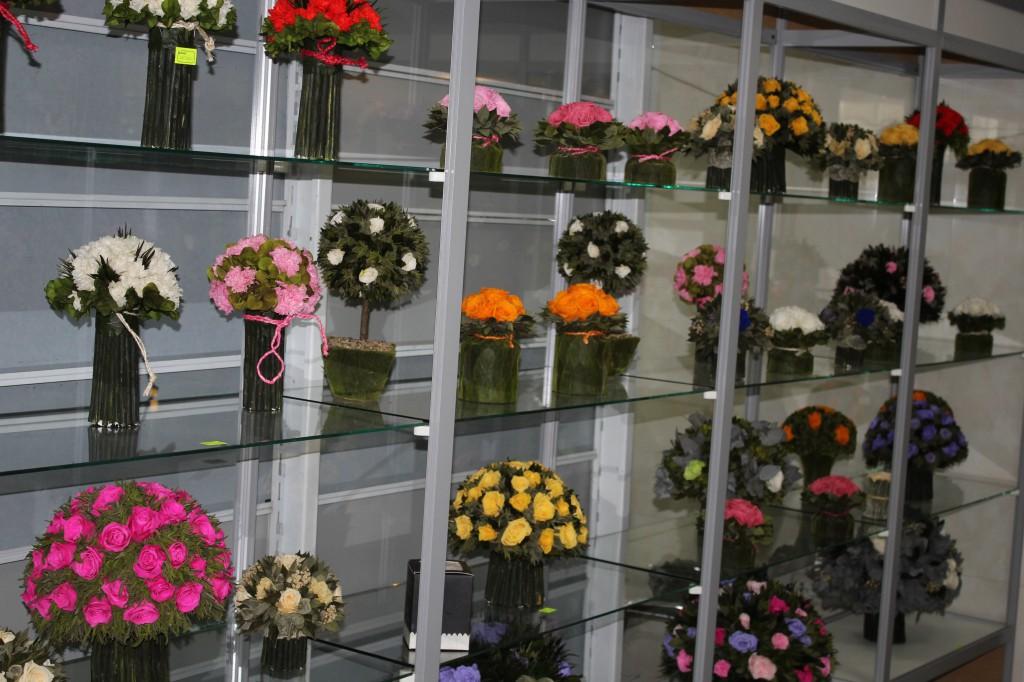 В Уральске открылся магазин необычных цветов 2