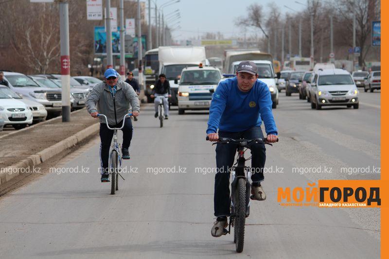 500 уральцев одновременно сели на велосипеды 8 [800x600]