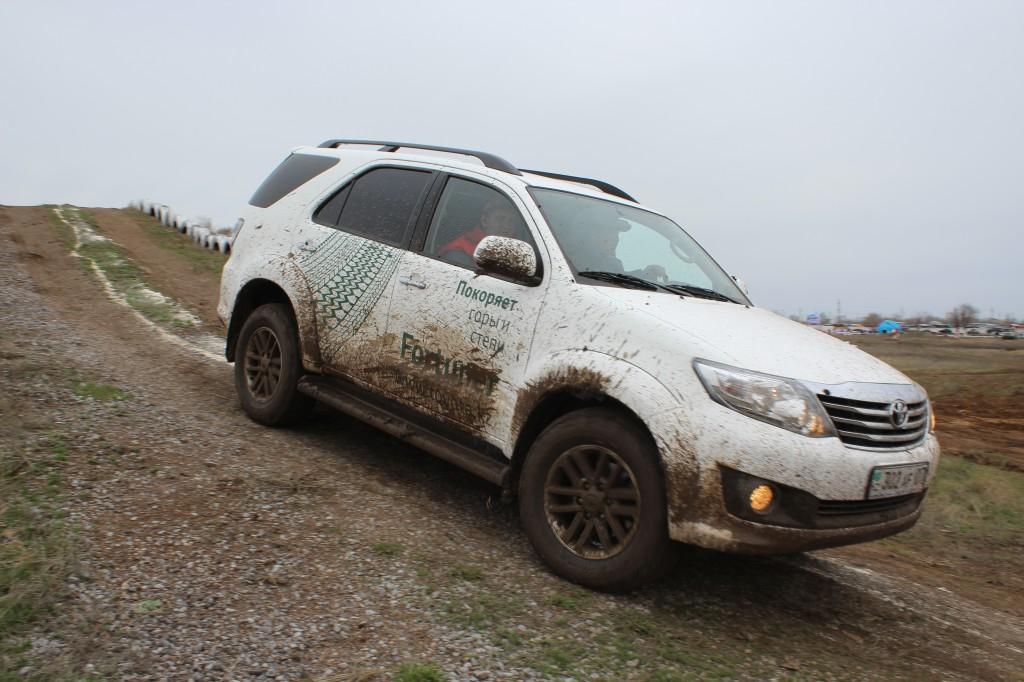 Toyota Fortuner – рожденный в Казахстане 8