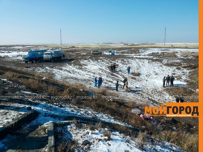 На трассе Актобе-Уральск перевернулся автобус – четверо погибших (фото, обновляется) avariya8