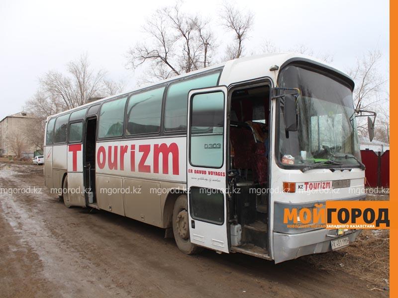 Автобус сузбекистанцами сломался ваномальные морозы вКазахстане