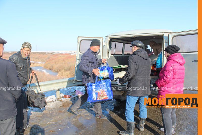 Гражданам Узбекистана из перевернувшегося автобуса некуда идти (фото, видео) dtp_uzbeki (11)