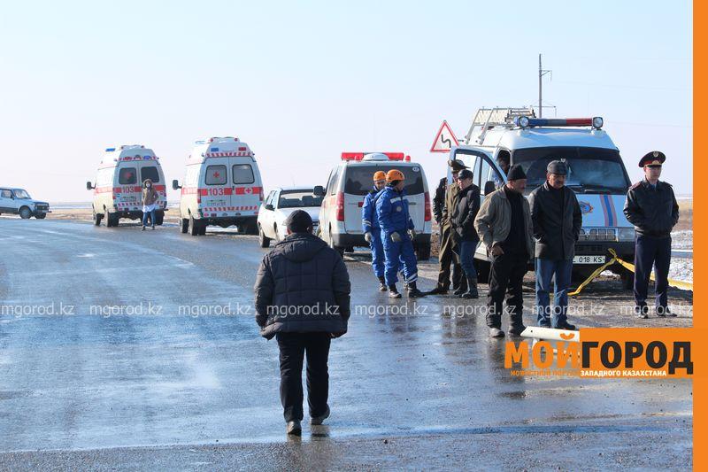 Гражданам Узбекистана из перевернувшегося автобуса некуда идти (фото, видео) dtp_uzbeki (15)