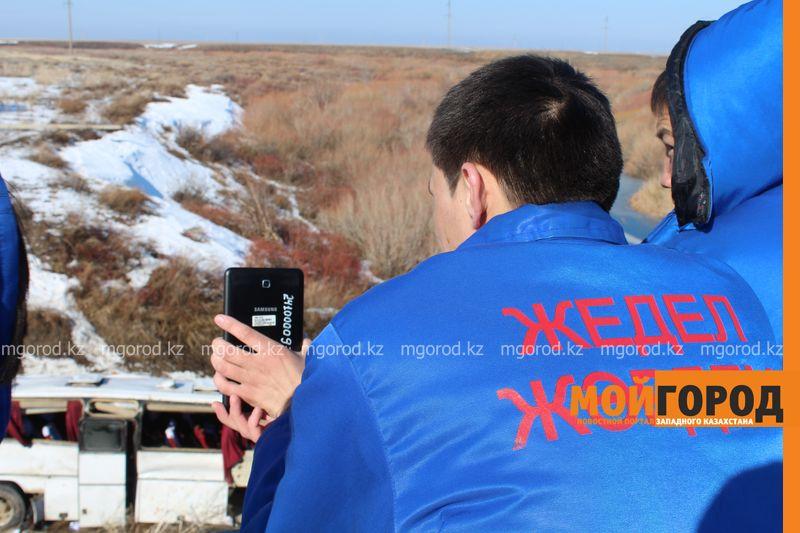 Гражданам Узбекистана из перевернувшегося автобуса некуда идти (фото, видео) dtp_uzbeki (19)