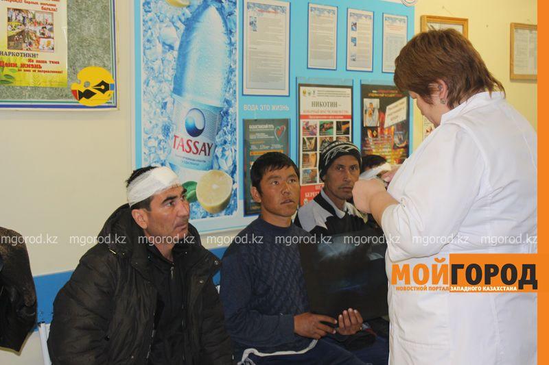 Гражданам Узбекистана из перевернувшегося автобуса некуда идти (фото, видео) dtp_uzbeki (21)