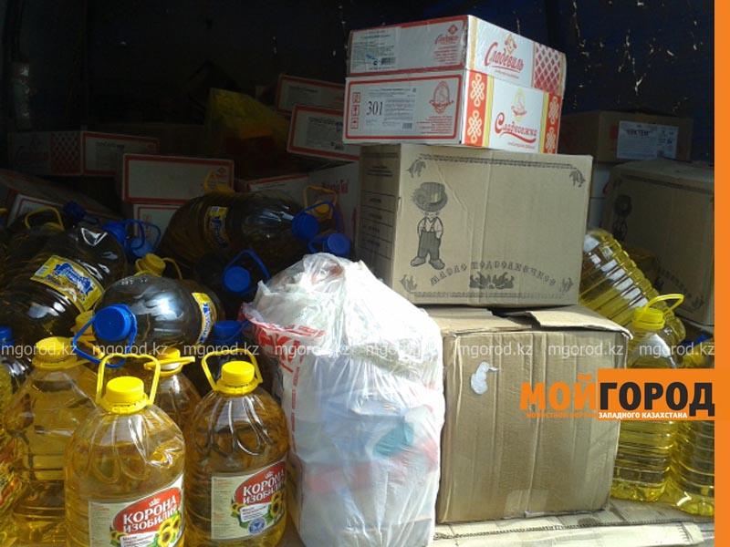 Новости Атырау - Жители Атырау отправляют 70 тонн гуманитарной помощи в Карагандинскую область gumpomosh2