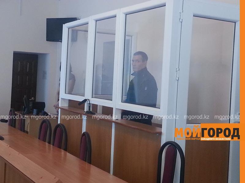 В Уральске осудили мужчину, зарезавшего своего отца в пьяном угаре ubil_otca