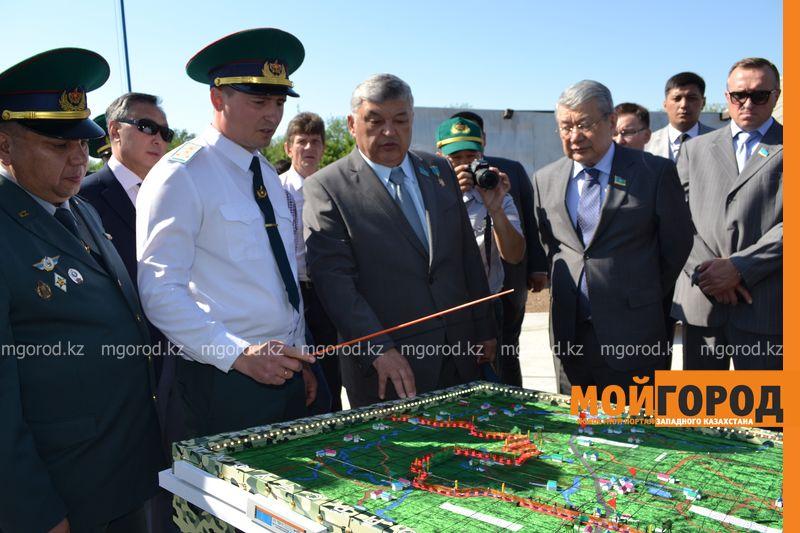 О проблемах пограничных пунктов в ЗКО рассказали сенаторам pogranzastava (3)