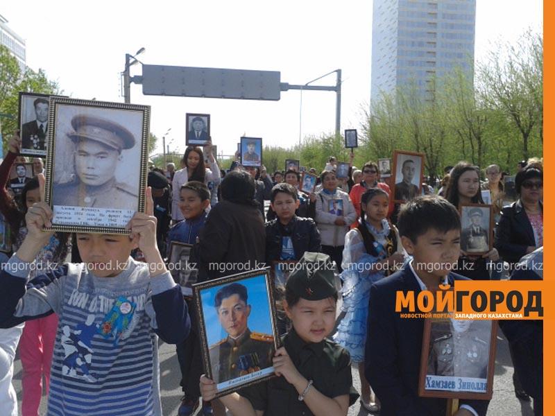 """Более 400 человек приняли участие в акции """"Бессмертный полк"""" в Атырау polk2"""