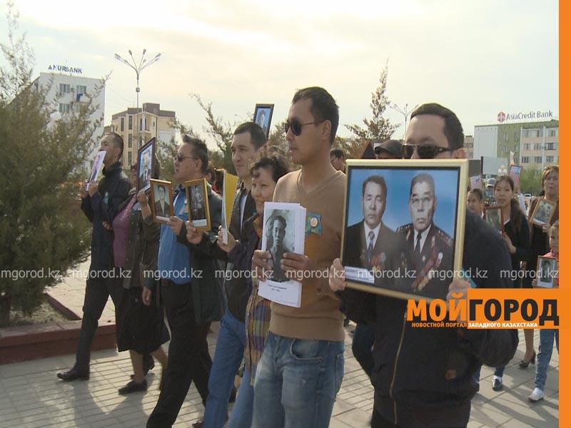 """Более 400 человек приняли участие в акции """"Бессмертный полк"""" в Атырау polk7"""