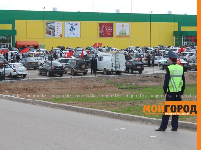Новости Уральск - Уральские автолюбители пытались устроить автопробег, несмотря на запрет probeg1