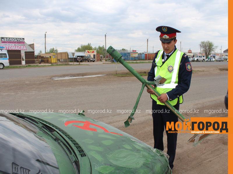 Новости Уральск - Уральские автолюбители пытались устроить автопробег, несмотря на запрет probeg4