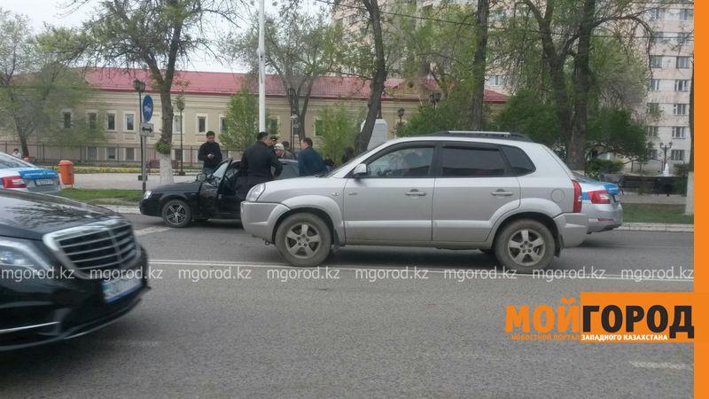 Задержанный за взятку полицейский отпущен под залог в Уральске zaderj2 [800x600]