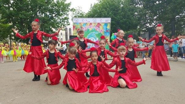 ТЦ «ФОРУМ» поздравил горожан с началом лета 10