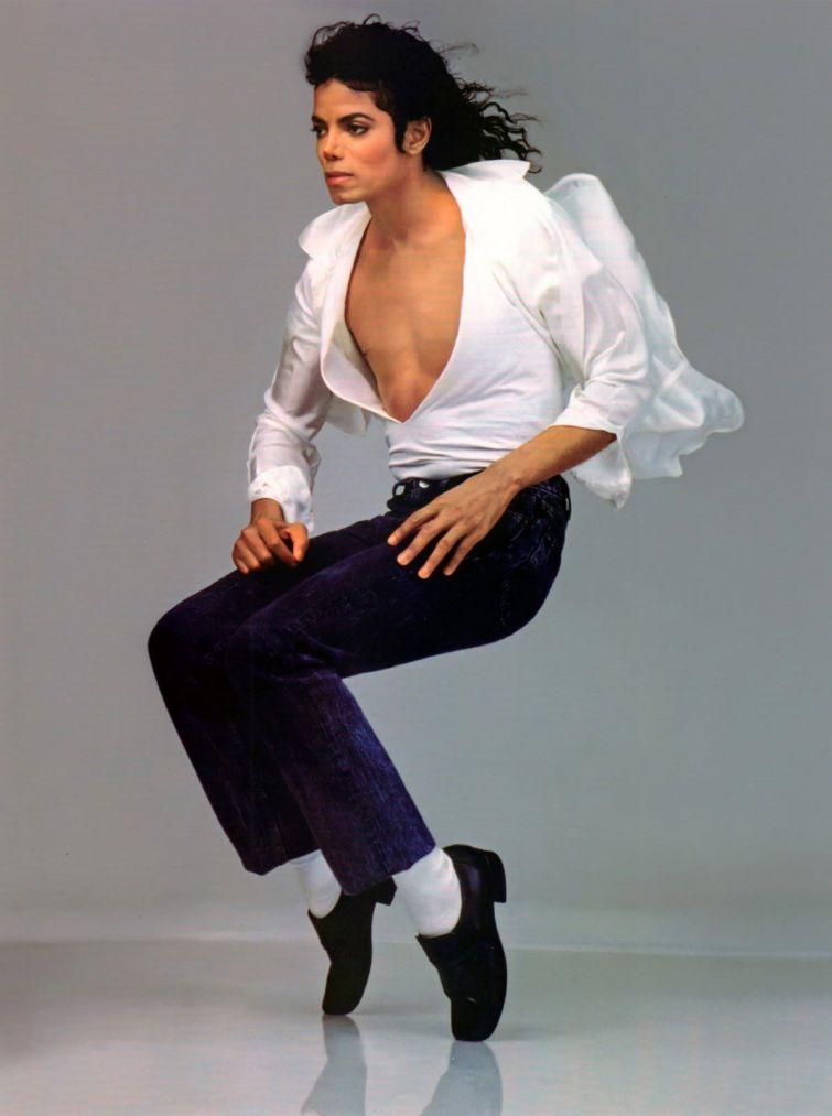 """Новости - 6 лет без Майкла Джексона По инициативе Майкла был основан """"Стипендиальный фонд UNCF"""" для талантливых студентов в области перфоманса - театрализованных представлений, танца, музыки, поэзии."""