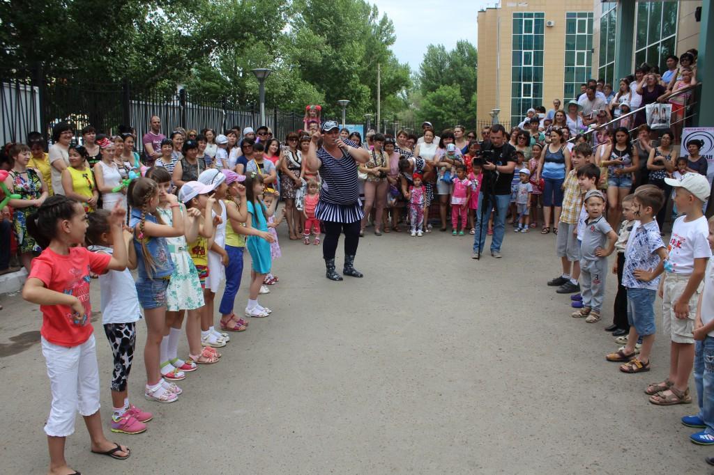 ТЦ «ФОРУМ» поздравил горожан с началом лета 5