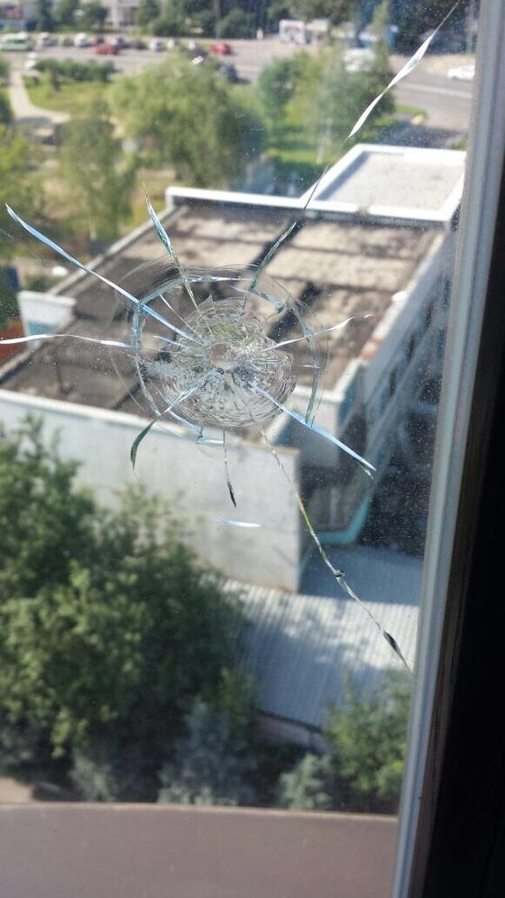 Новости - Неизвестные обстреляли квартиру Валерии и Иосифа Пригожина 507b354986ff5932a5fc4e09da955d36__560x