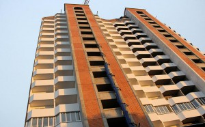 Жители полуразрушенного дома в Атырау получили новые квартиры  Иллюстративное фото с сайта domodedovod.ru