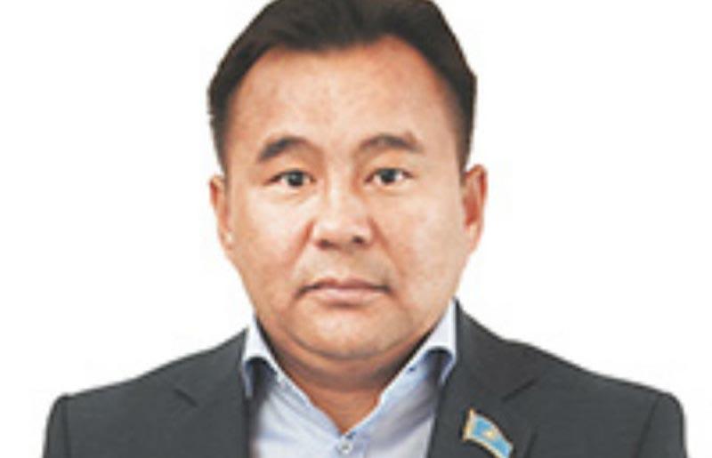 Почти миллиард тенге наличности нашли в квартире актюбинского депутата Фото с сайта timeskz.kz