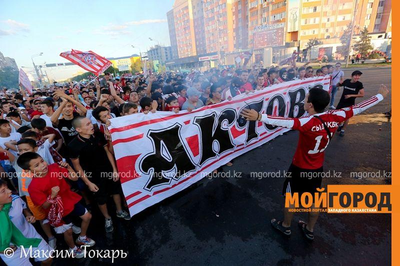 Новости Актобе - Как фанаты ФК «Актобе» поддержали свою команду (фото, аудио, видео) football (14)
