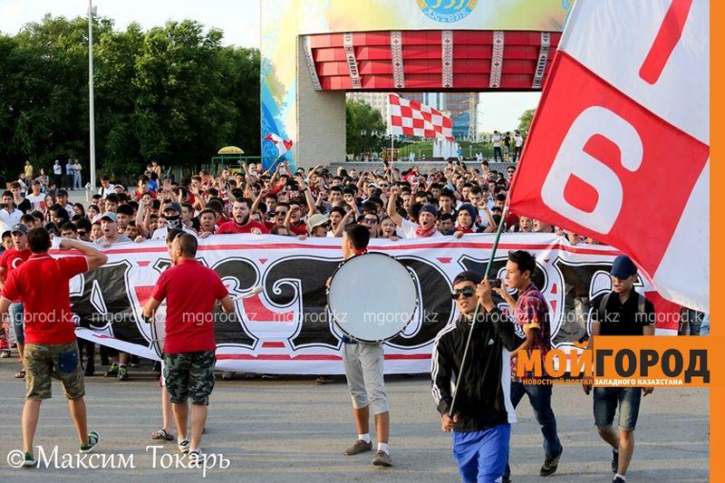 Как фанаты ФК «Актобе» поддержали свою команду (фото, аудио, видео) football (6)