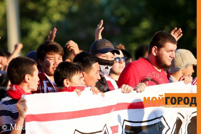 Как фанаты ФК «Актобе» поддержали свою команду (фото, аудио, видео) football (9)