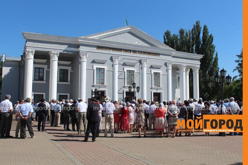 В последний путь проводили журналиста-фронтовика Бисена ЖУМАГАЛИЕВА в Уральске panihida (1)