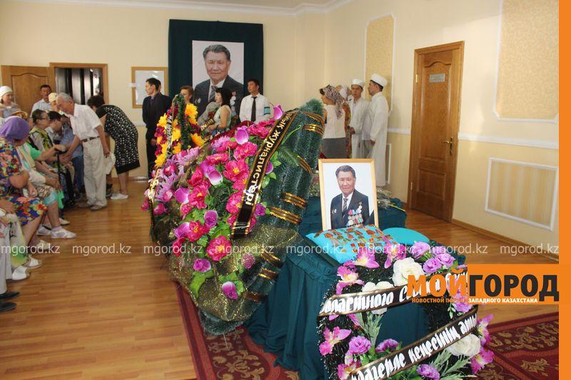 В последний путь проводили журналиста-фронтовика Бисена ЖУМАГАЛИЕВА в Уральске panihida (3)