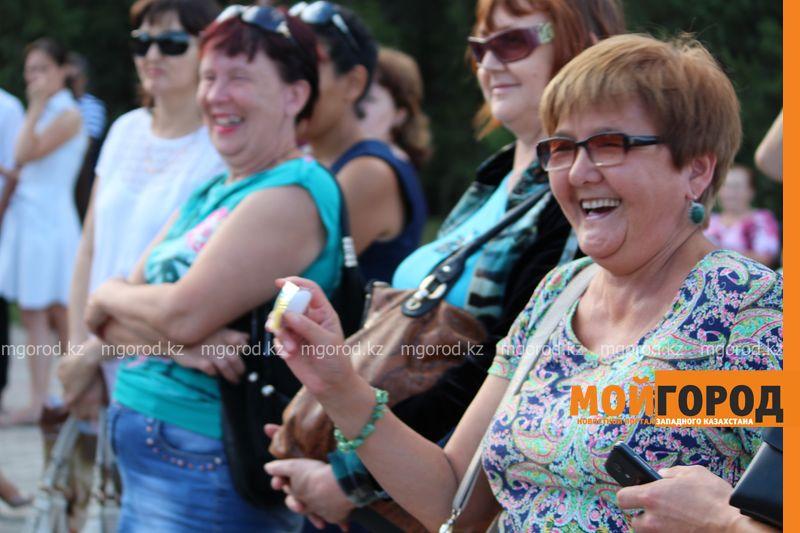 Гармонь-party и домбыра-party одновременно провели на площади в Уральске dombra (10)
