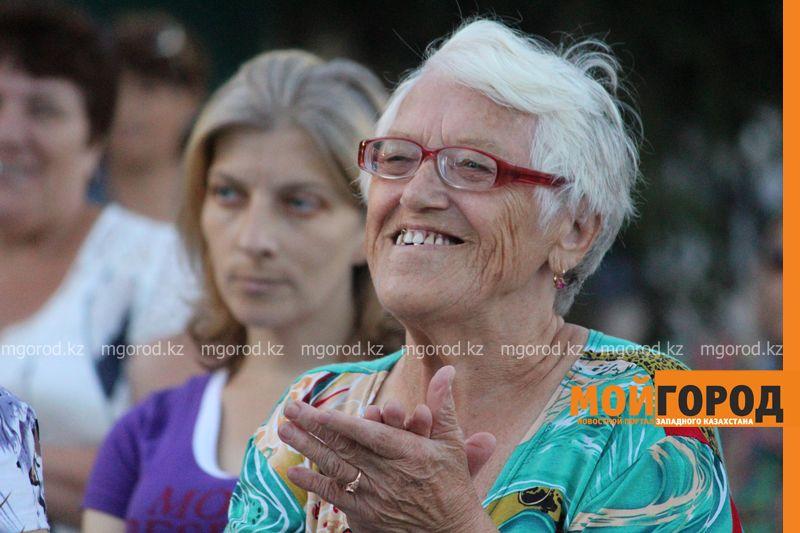 Гармонь-party и домбыра-party одновременно провели на площади в Уральске dombra (18)