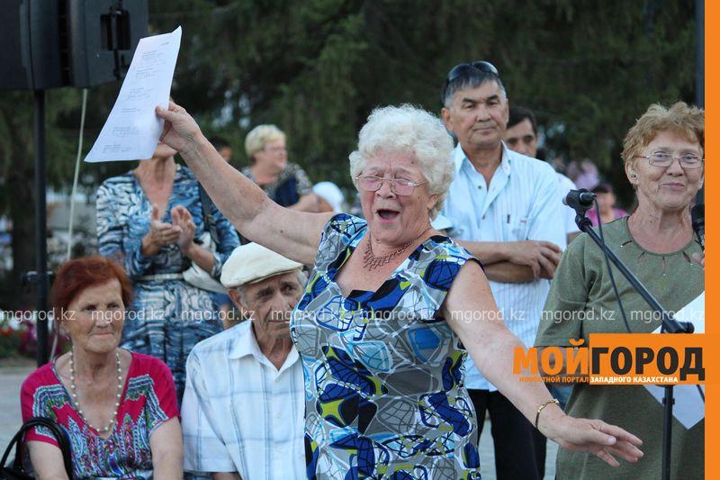 Гармонь-party и домбыра-party одновременно провели на площади в Уральске dombra (20)