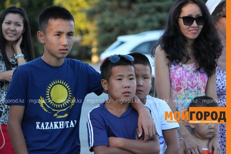 Гармонь-party и домбыра-party одновременно провели на площади в Уральске dombra (21)