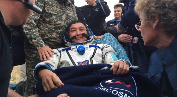 Новости Актобе - Казахстанский космонавт благополучно приземлился в Карагандинской области Фото: tengrinews.kz