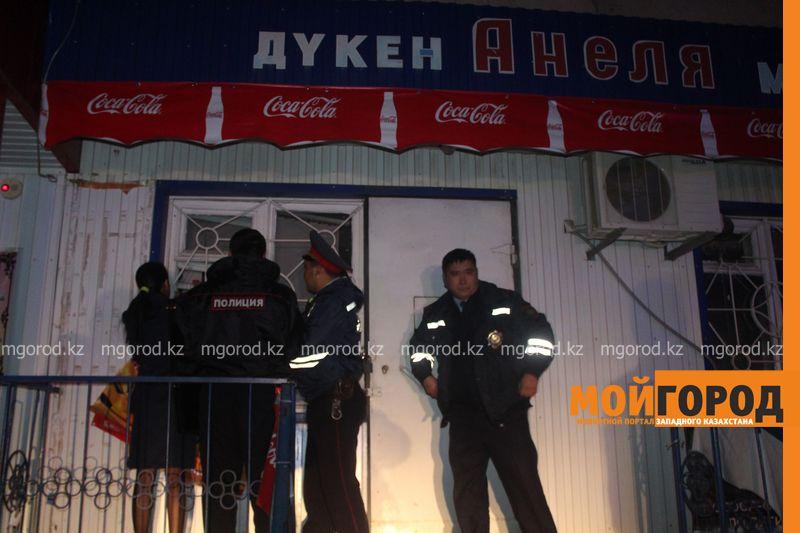 Грабитель продуктового магазина в Уральске застрял в оконном проеме (фото, видео) IMG_9194 [800x600] — копия