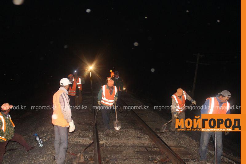 Последствия пожара на железной дороге в ЗКО ликвидируют 200 человек shpaly (12)