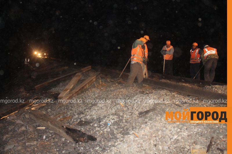 Последствия пожара на железной дороге в ЗКО ликвидируют 200 человек shpaly (13)