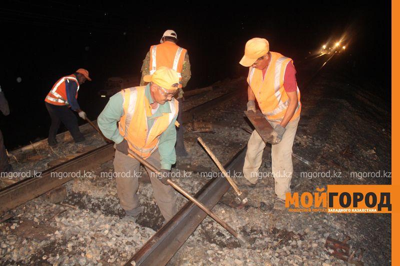 Последствия пожара на железной дороге в ЗКО ликвидируют 200 человек shpaly (15)