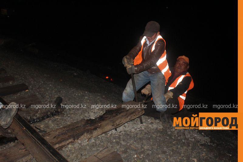 Последствия пожара на железной дороге в ЗКО ликвидируют 200 человек shpaly (7)