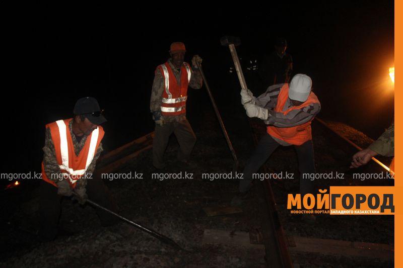 Последствия пожара на железной дороге в ЗКО ликвидируют 200 человек shpaly (8)