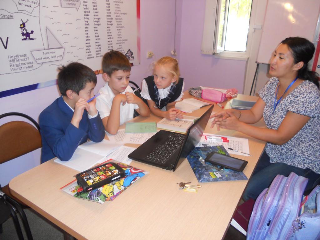 Обучающий центр StepbyStep провел ярмарку иностранных вузов 6