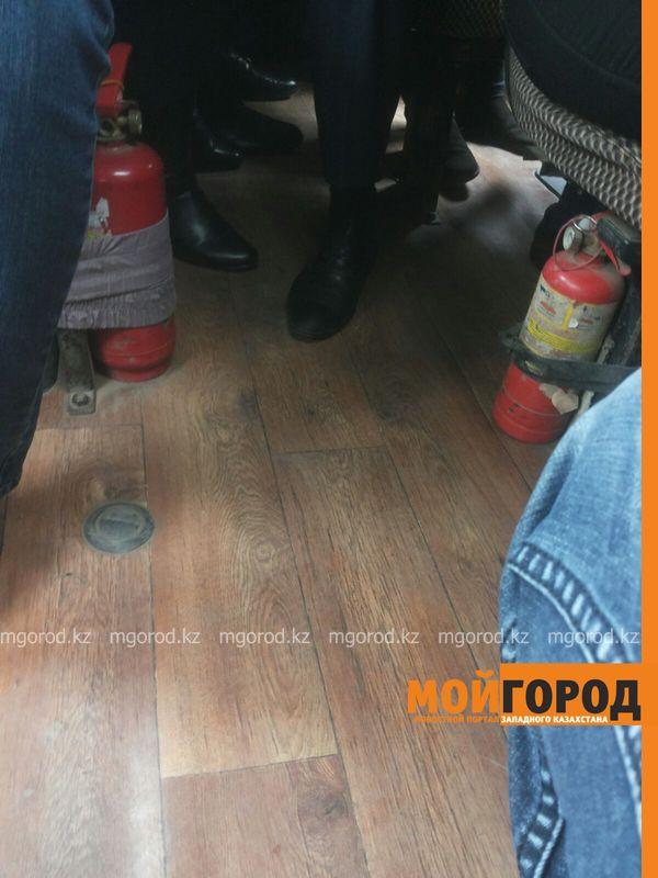 Новости - Качество пассажирских перевозок на общественном транспорте проверил аким Уральска IMG-20151023-WA0032 [600_800]