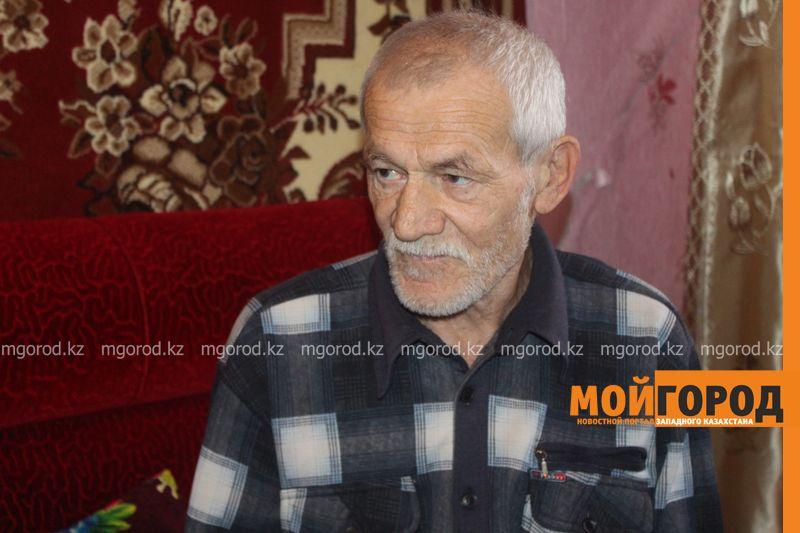 Ветерана войны в ЗКО сфотографировали на удостоверение возле туалета Сын пенсионера Григорий ШКУРАТОВ