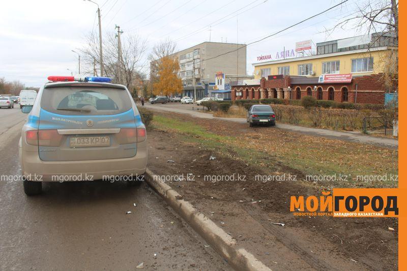Из-за ДТП на проспекте Абулхаир хана в Уральске образовалась большая пробка IMG_1961 [800x600]