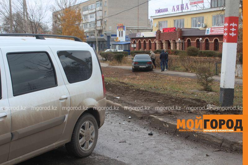 Из-за ДТП на проспекте Абулхаир хана в Уральске образовалась большая пробка IMG_1973 [800x600]