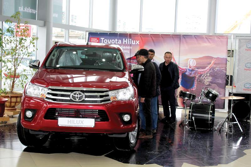 Обновленные Toyota Fortuner и Hilux представили в Уральске IMG_5522 [800x600]