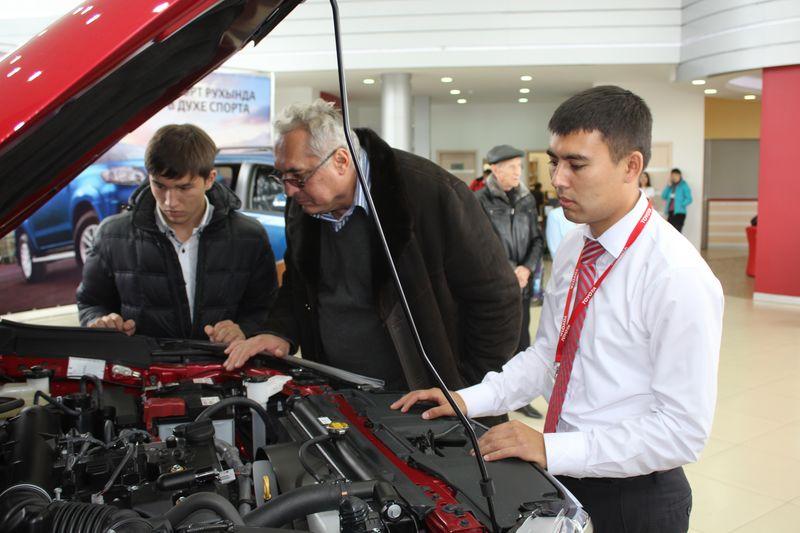Обновленные Toyota Fortuner и Hilux представили в Уральске IMG_5588 [800x600]