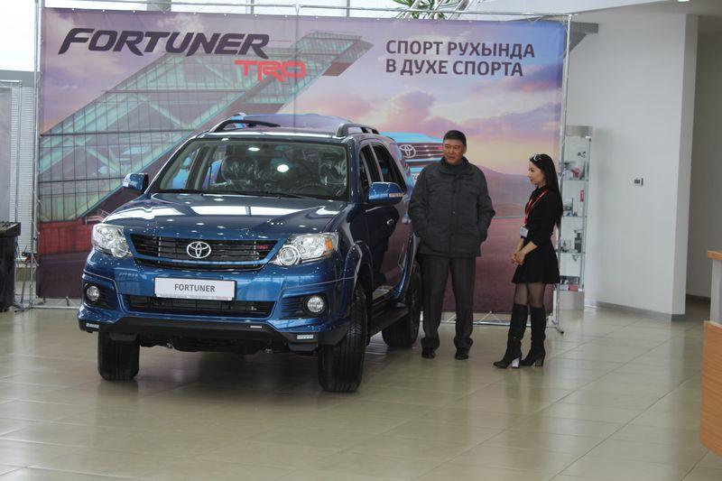 Обновленные Toyota Fortuner и Hilux представили в Уральске IMG_5626 [800x600]