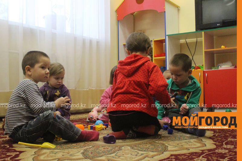 Самому маленькому жителю центра адаптации для несовершеннолетних в Атырау - 5 лет